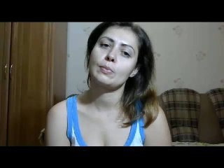 AdelaMorningstar模特的性感個人頭像,邀請您觀看熱辣勁爆的實時攝像表演!