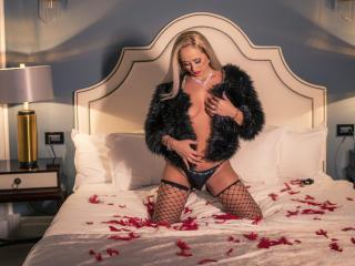 GloriaTrannny模特的性感個人頭像,邀請您觀看熱辣勁爆的實時攝像表演!