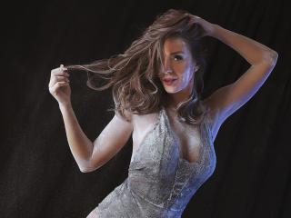 JenniferHill模特的性感個人頭像,邀請您觀看熱辣勁爆的實時攝像表演!