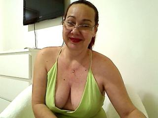 Picture of the sexy profile of SweetMadame, for a very hot webcam live show !