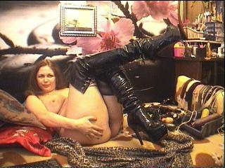 MorganaSlash - 在XloveCam?欣赏性爱视频和热辣性感表演