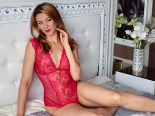AnielleRouge - 在XloveCam?欣赏性爱视频和热辣性感表演