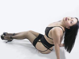 MadamFox - 在XloveCam?欣赏性爱视频和热辣性感表演