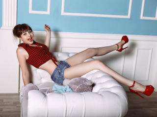 VelvetBabe - 在XloveCam?欣赏性爱视频和热辣性感表演