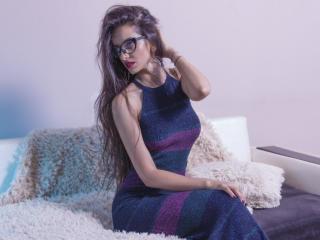KatherineBisou - 在XloveCam?欣赏性爱视频和热辣性感表演