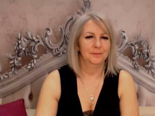 EricaXKiss live female ejaculation show