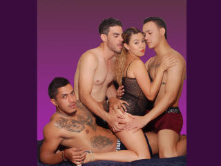 GroupFashionHot Xlovecam model photo