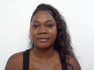 Foto de perfil sexy de la modelo Annahii, ¡disfruta de un show webcam muy caliente!