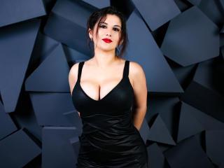 Model AnnieBond'in seksi profil resmi, çok ateşli bir canlı webcam yayını sizi bekliyor!