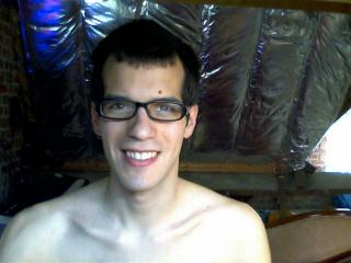 Picture of the sexy profile of Antonin69, for a very hot webcam live show !