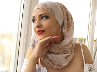 Photo de profil sexy du modèle ArabicAyanaa, pour un live show webcam très hot !
