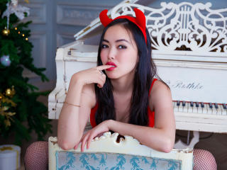 Picture of the sexy profile of AsiaDeLuxe, for a very hot webcam live show !