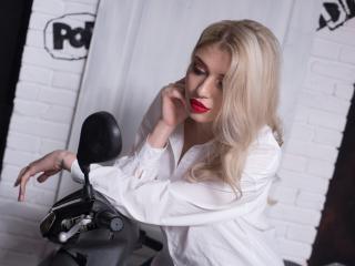 Velmi sexy fotografie sexy profilu modelky BlondeBeautty pro live show s webovou kamerou!