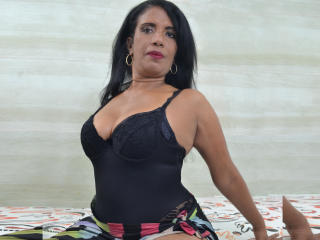 Photo de profil sexy du modèle BrendaRobertX, pour un live show webcam très hot !
