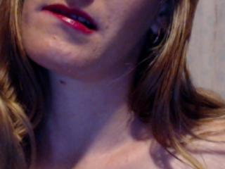 Picture of the sexy profile of ChatteBlondine, for a very hot webcam live show !