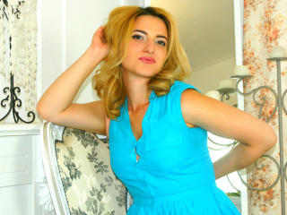 Picture of the sexy profile of EnjoyMoment, for a very hot webcam live show !