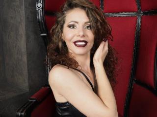 Model EvellineRose'in seksi profil resmi, çok ateşli bir canlı webcam yayını sizi bekliyor!