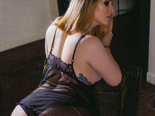 Picture of the sexy profile of FrancineWhooty, for a very hot webcam live show !
