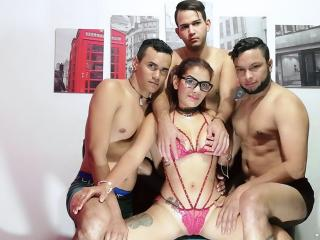 Picture of the sexy profile of GroupHappyHot, for a very hot webcam live show !