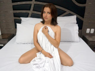 Photo de profil sexy du modèle IKristen, pour un live show webcam très hot !