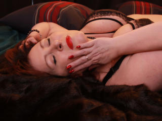 Photo de profil sexy du modèle JillLady, pour un live show webcam très hot !
