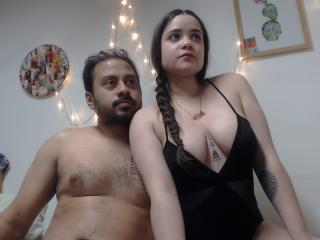 Photo de profil sexy du modèle JoshAndCharlie, pour un live show webcam très hot !
