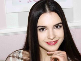 Фото секси-профайла модели KendallGenner, веб-камера которой снимает очень горячие шоу в режиме реального времени!