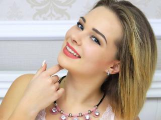 Foto del profilo sexy della modella KristalMaia, per uno show live webcam molto piccante!