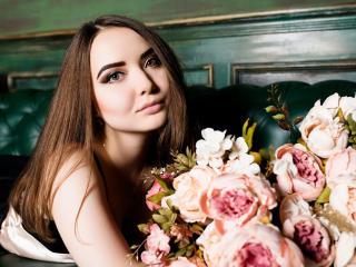 Foto de perfil sexy de la modelo LexyTerra, ¡disfruta de un show webcam muy caliente!