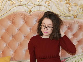 LinaFoxy - Show live exciting with this chocolate like hair Girl