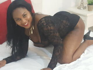 Photo de profil sexy du modèle LissaSunni, pour un live show webcam très hot !