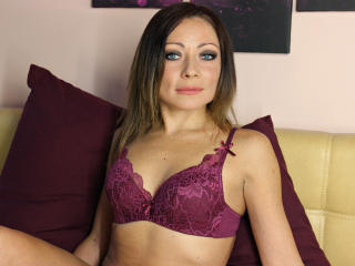 Picture of the sexy profile of MargoLourence, for a very hot webcam live show !
