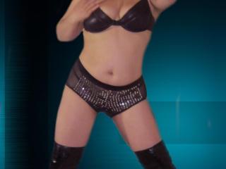 Model maturesmilfx69'in seksi profil resmi, çok ateşli bir canlı webcam yayını sizi bekliyor!