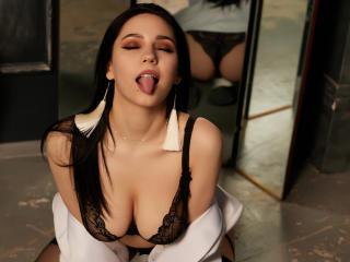 Foto de perfil sexy de la modelo MiroslavaLime, ¡disfruta de un show webcam muy caliente!