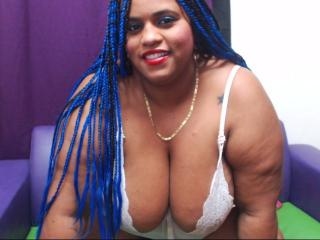 Photo de profil sexy du modèle NancyBigSex, pour un live show webcam très hot !