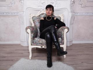Photo de profil sexy du modèle NellyHailey, pour un live show webcam très hot !