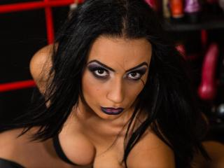 Picture of the sexy profile of PervertMarra, for a very hot webcam live show !