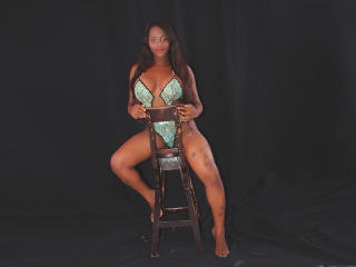 Photo de profil sexy du modèle SAMARAQUEN, pour un live show webcam très hot !