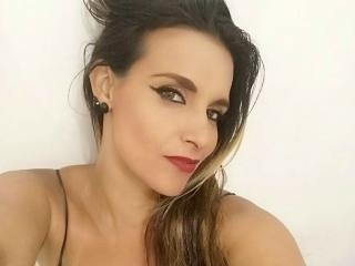 ScarletWild - Chat live hard with this standard build Horny lady