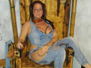 Photo de profil sexy du modèle Shanon69, pour un live show webcam très hot !