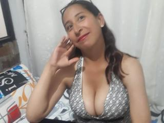 Picture of the sexy profile of Yulisexy69, for a very hot webcam live show !