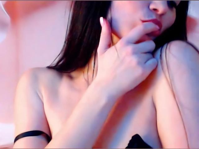 Picture of the sexy profile of AnnaMiss, for a very hot webcam live show !