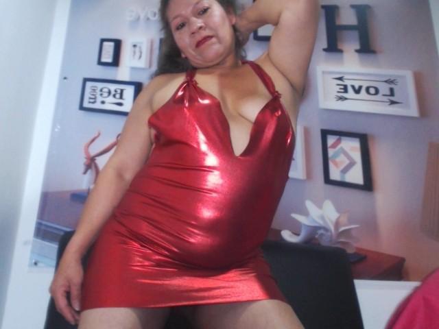 Velmi sexy fotografie sexy profilu modelky DesireMature pro live show s webovou kamerou!