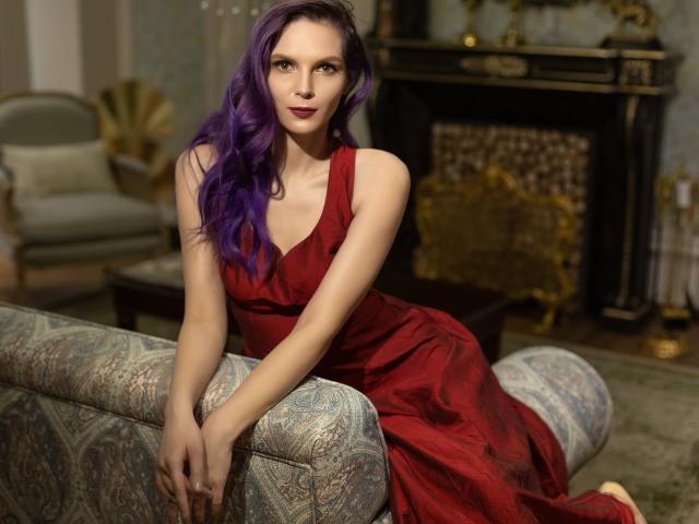 Foto de perfil sexy de la modelo LovesTheme, ¡disfruta de un show webcam muy caliente!