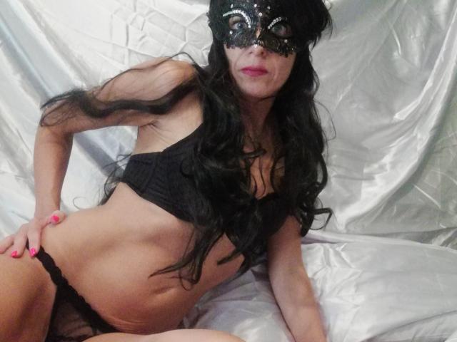 Bild på den sexiga profilen av LuluLulu för en väldigt het liveshow i webbkameran!