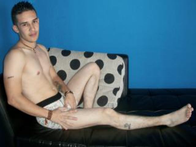 Picture of the sexy profile of SebasLatinHot, for a very hot webcam live show !