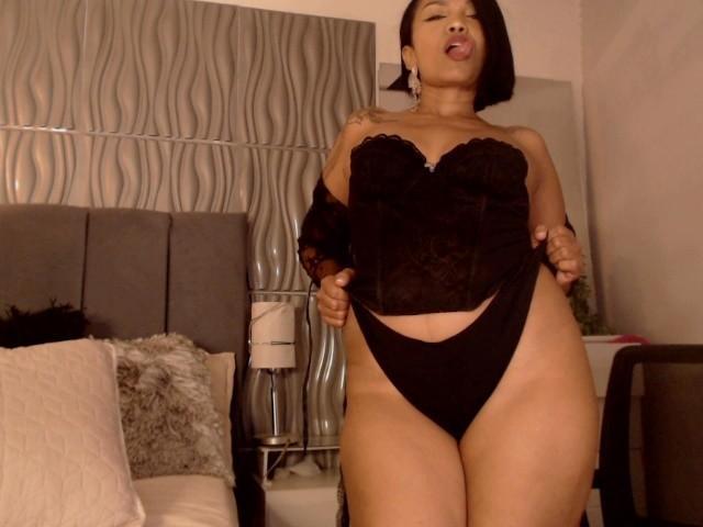Velmi sexy fotografie sexy profilu modelky ShalomExoticX pro live show s webovou kamerou!