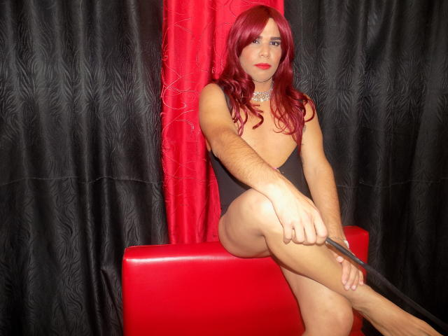 Picture of the sexy profile of TinaSexDoll, for a very hot webcam live show !