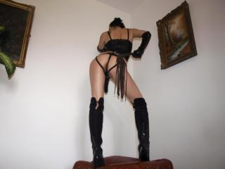 MaitresseCleo - Sexy live show with sex cam on XloveCam