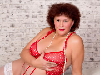 BerryChic - online chat x with this ordinary body shape Exciting lady over 35